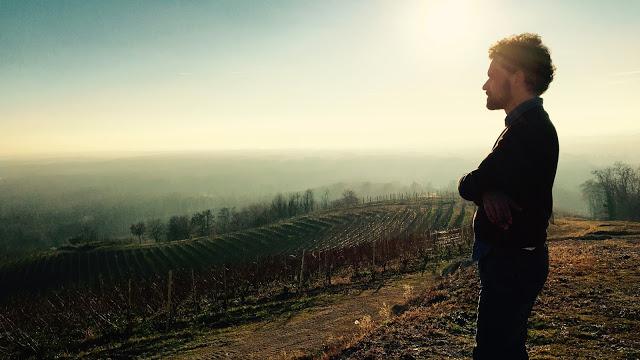 Francesco Quarna, Radio Deejay, nelle vigne del suo Piemonte