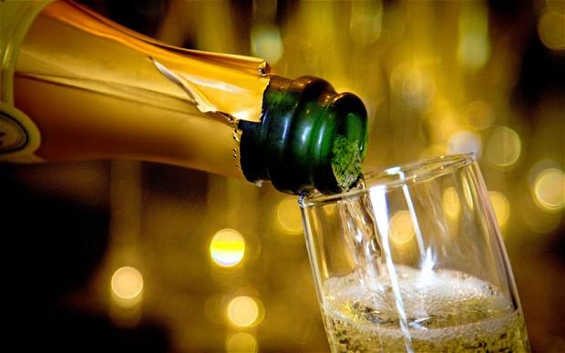 champagne prosecco stappati