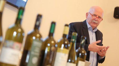 Dalle Marche la proposta anti contraffazione: «Fascette di Stato su tutti i vini»