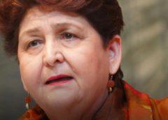 """Prosecco Rosè, esulta anche la ministra Bellanova: """"Farà da traino al vino italiano"""""""