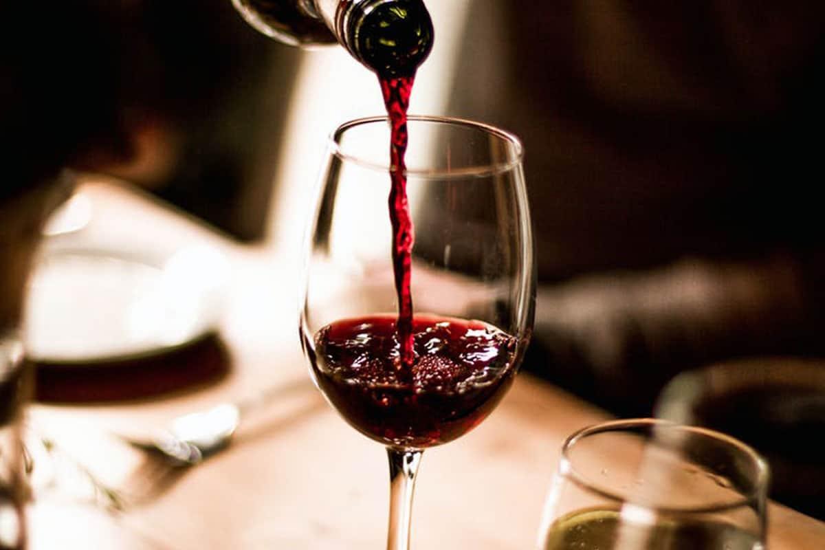 «Nuova categoria per i vini dealcolati. No a Dop e Igp»: appello della Filiera a Patuanelli
